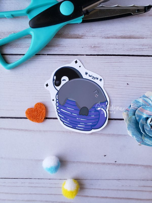 penguin teacup on wood BG