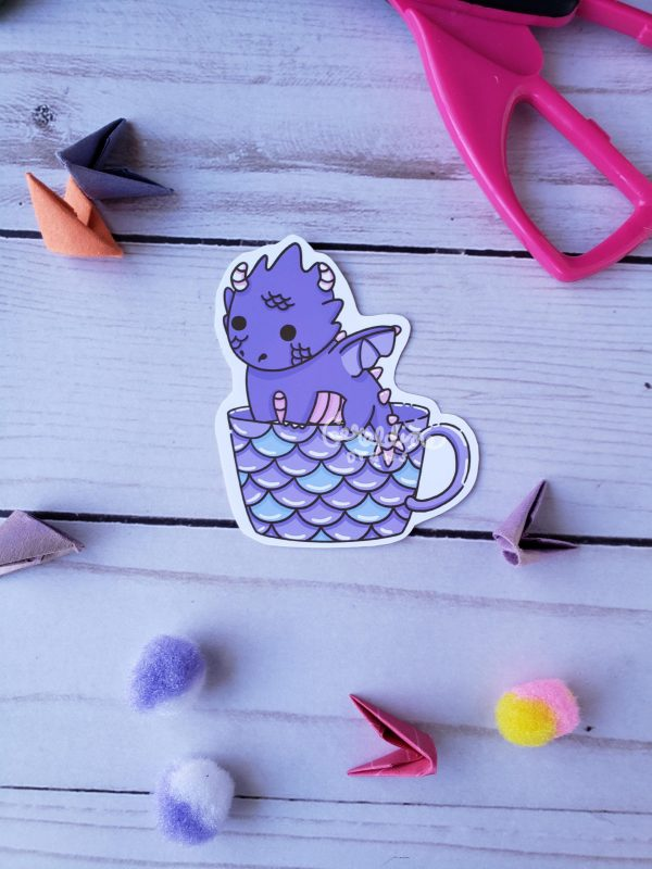 dragon teacup on wood BG